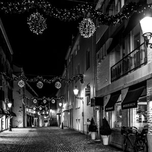De straat waar het restaurant ligt
